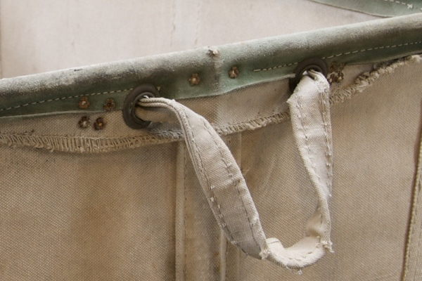 779_industrial-vintage-canvas-laundry-bin3